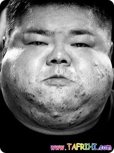 صورت وزنه برداران در هنگام برداشتن وزنه